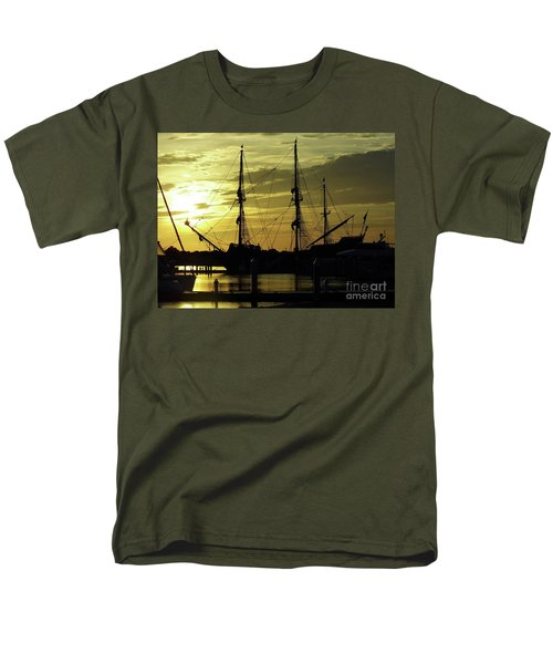El Galeon Sunrise Men's T-Shirt  (Regular Fit) by D Hackett