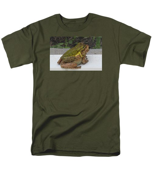 Froggy Love Men's T-Shirt  (Regular Fit) by Melinda Saminski