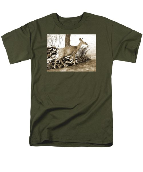 Men's T-Shirt  (Regular Fit) featuring the photograph Garden Visitor by Betsy Zimmerli