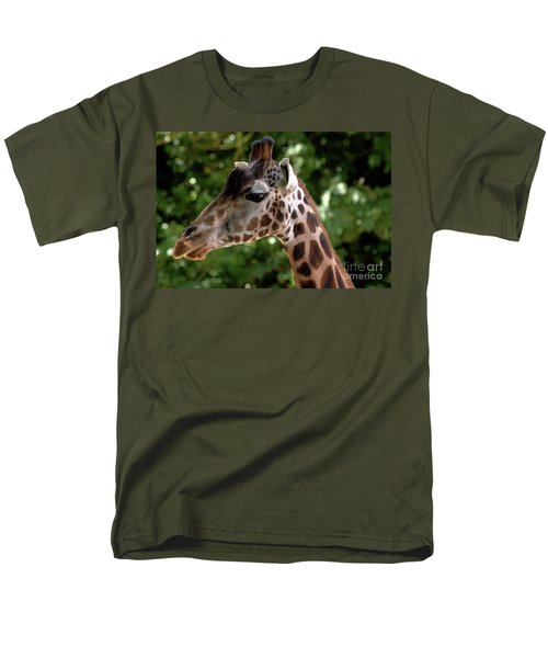 Giraffe Portrait Men's T-Shirt  (Regular Fit)