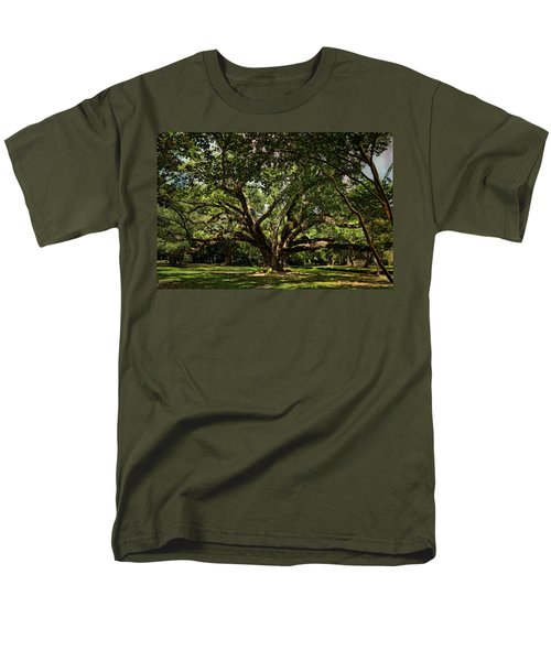 Grand Oak Tree Men's T-Shirt  (Regular Fit) by Judy Vincent