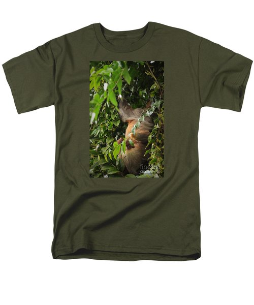 Men's T-Shirt  (Regular Fit) featuring the photograph Hang On Mom by Pamela Blizzard