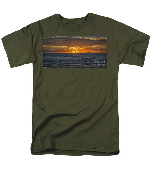 Men's T-Shirt  (Regular Fit) featuring the photograph Hawaiian Winter Sunset by Mitch Shindelbower