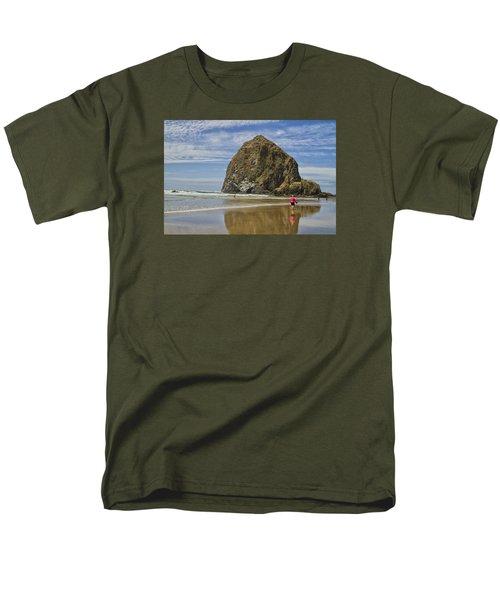 Haystack Rock 0258 Men's T-Shirt  (Regular Fit) by Tom Kelly