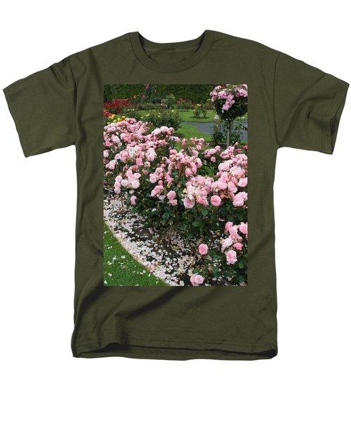 ...........i Never Promised You A Rose Garden Men's T-Shirt  (Regular Fit) by Martina Fagan