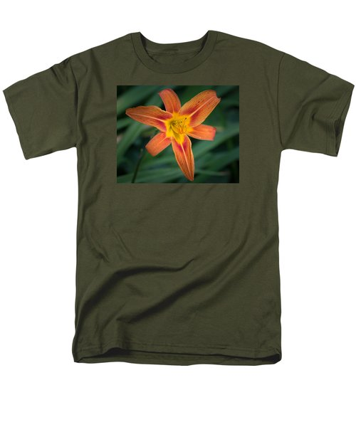 July Tiger Lily Men's T-Shirt  (Regular Fit) by Kenneth Cole