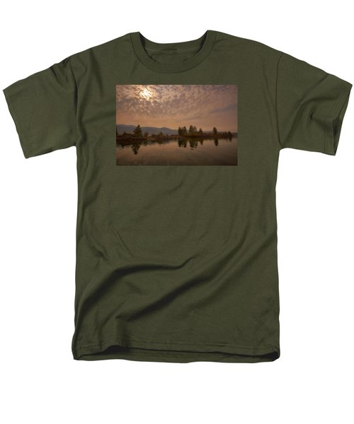 Lake Roosevelt Washington2 Men's T-Shirt  (Regular Fit) by Loni Collins