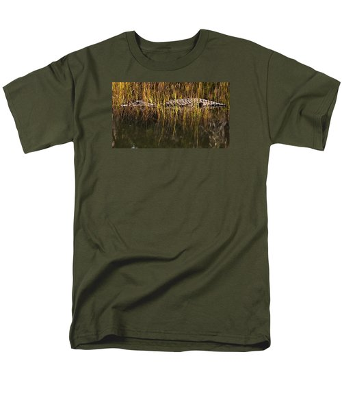 Men's T-Shirt  (Regular Fit) featuring the photograph Laying In Wait by Laura Ragland