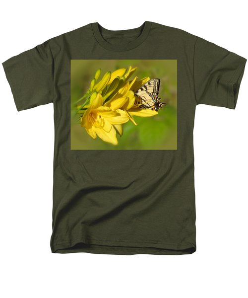 Lily Lover Men's T-Shirt  (Regular Fit) by MTBobbins Photography
