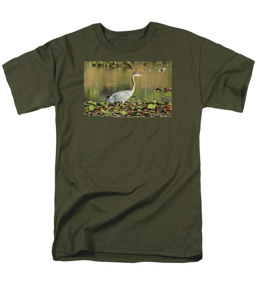 Men's T-Shirt  (Regular Fit) featuring the photograph Looking Ahead by Lynn Hopwood