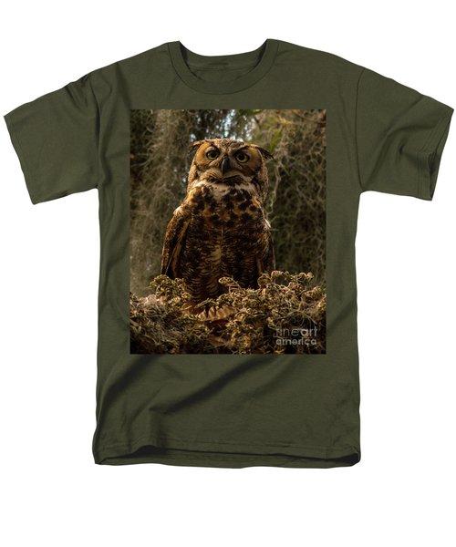 Mother Owl Posing Men's T-Shirt  (Regular Fit) by Jane Axman