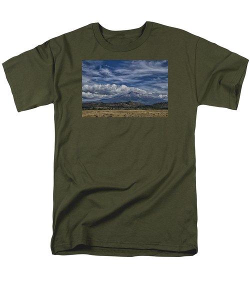 Mount Shasta 9946 Men's T-Shirt  (Regular Fit) by Tom Kelly