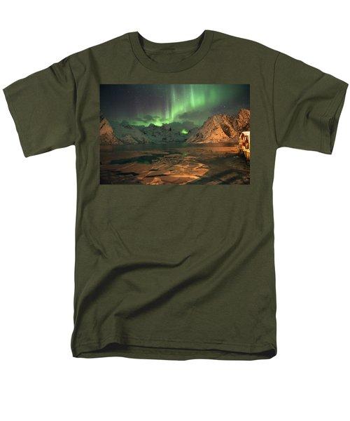 Northern Light In Lofoten, Nordland 1 Men's T-Shirt  (Regular Fit) by Dubi Roman