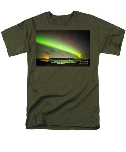Men's T-Shirt  (Regular Fit) featuring the photograph Northern Lights 6 by Mariusz Czajkowski