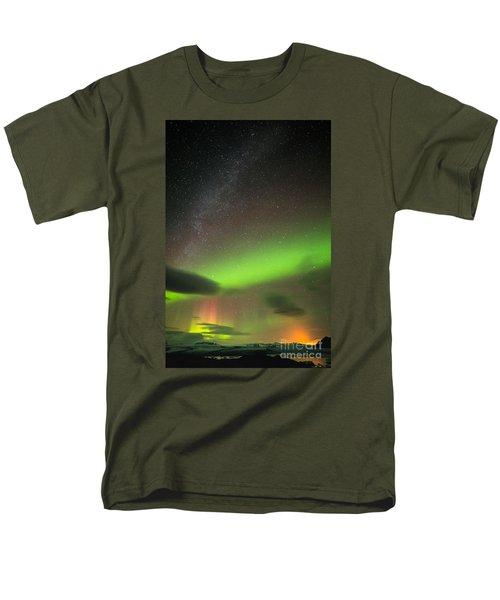 Men's T-Shirt  (Regular Fit) featuring the photograph Northern Lights 8 by Mariusz Czajkowski