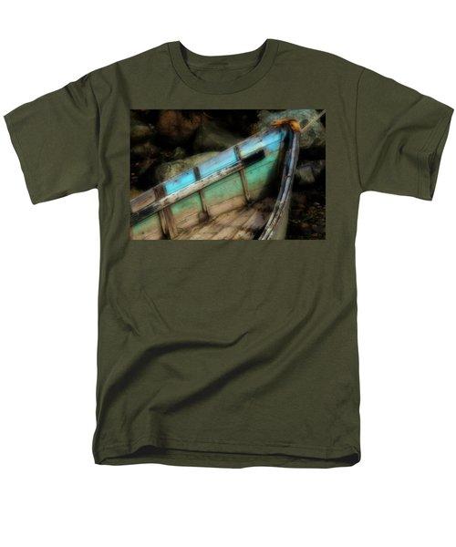 Old Boat 1 Stonington Maine Men's T-Shirt  (Regular Fit)