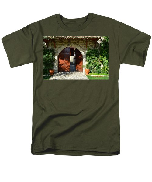 Old House Door Men's T-Shirt  (Regular Fit)