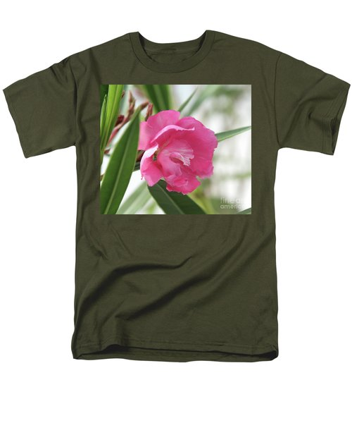 Oleander Splendens Giganteum 3 Men's T-Shirt  (Regular Fit) by Wilhelm Hufnagl