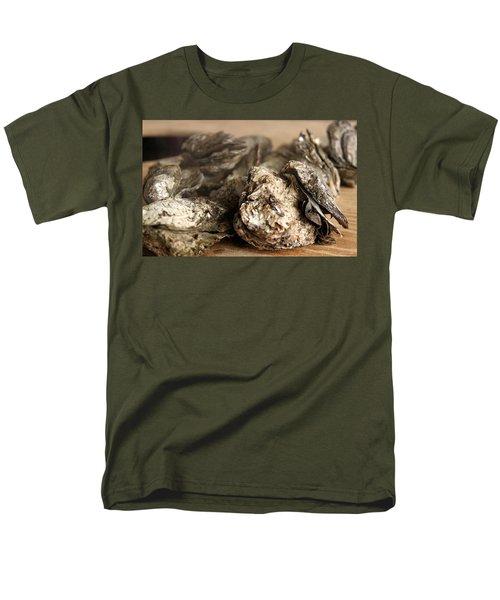 Oyster Roast Men's T-Shirt  (Regular Fit)