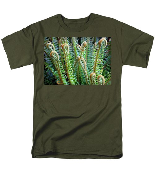 Pacific Ferns Men's T-Shirt  (Regular Fit) by Martin Konopacki