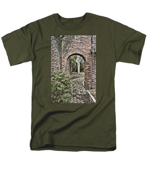 Passage  Men's T-Shirt  (Regular Fit)