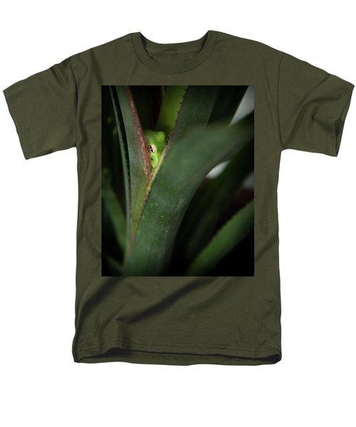 Perching With Comfort Men's T-Shirt  (Regular Fit)