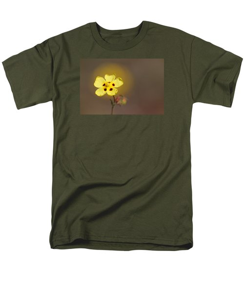 Men's T-Shirt  (Regular Fit) featuring the photograph Radiate by Richard Patmore