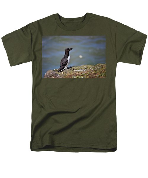 Razorbill Men's T-Shirt  (Regular Fit) by Vicki Field