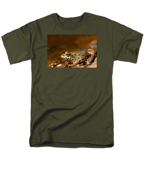 Men's T-Shirt  (Regular Fit) featuring the photograph Relaxed by Richard Patmore