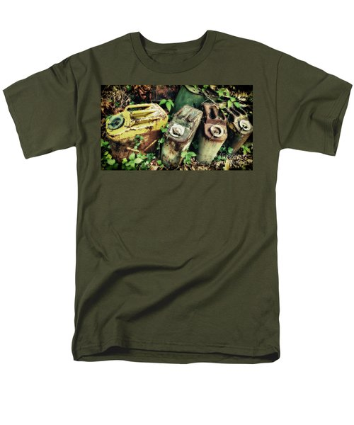 Remains Of The Day - Camp Mountain Lake Men's T-Shirt  (Regular Fit)