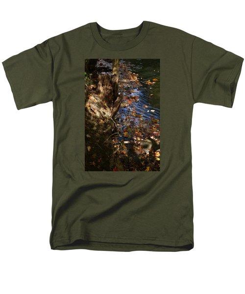 Riverbank View Men's T-Shirt  (Regular Fit)