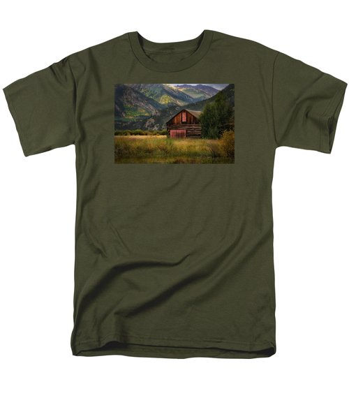 Rustic Colorado Barn Men's T-Shirt  (Regular Fit) by John Vose