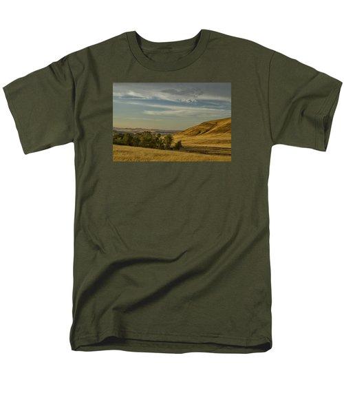 San Luis Reservoir 9891 Men's T-Shirt  (Regular Fit) by Tom Kelly
