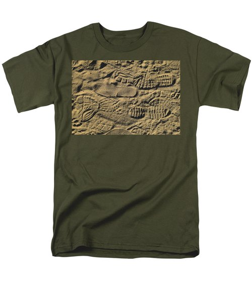 Shoe Prints Men's T-Shirt  (Regular Fit)
