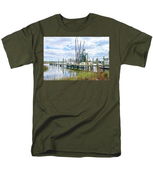 Shrimp Boats Of St. Helena Island Men's T-Shirt  (Regular Fit)