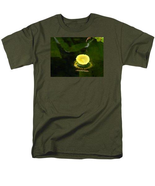 Spatterdock Reflections Men's T-Shirt  (Regular Fit) by Warren Thompson