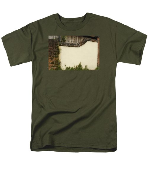 Stage-ready Men's T-Shirt  (Regular Fit)