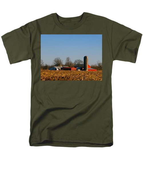 Standing Still Patiently Waiting Men's T-Shirt  (Regular Fit) by Tina M Wenger