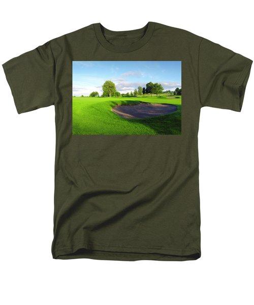 Stirling Golf Club 10th Men's T-Shirt  (Regular Fit) by Jan W Faul