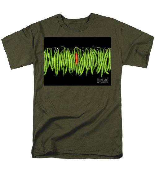 Stringbeans And Chilli Men's T-Shirt  (Regular Fit) by Christian Slanec