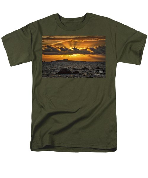 Sunrise Over Rabbit Head Island Men's T-Shirt  (Regular Fit)