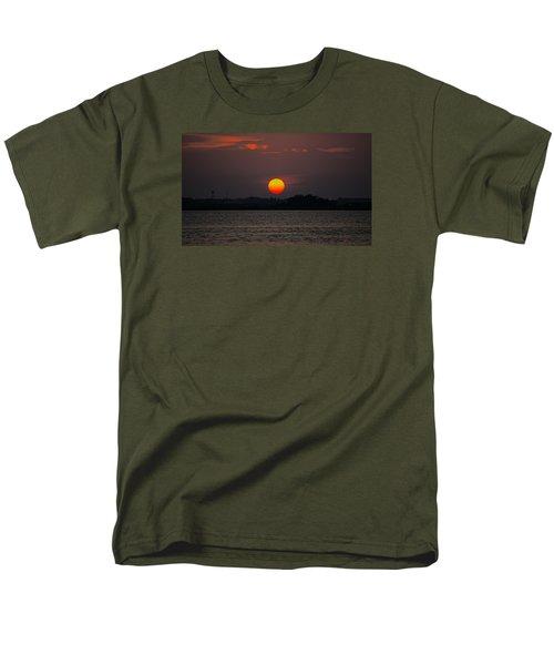 Sunset In Biloxi Men's T-Shirt  (Regular Fit) by Cathy Jourdan