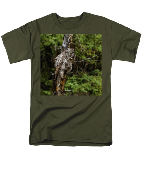 The Captivating Great Grey Owl Men's T-Shirt  (Regular Fit) by Yeates Photography