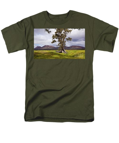 Men's T-Shirt  (Regular Fit) featuring the photograph The Cazneaux Tree by Bill Robinson