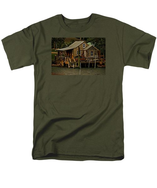 Men's T-Shirt  (Regular Fit) featuring the photograph The Fishing Shack by John Harding