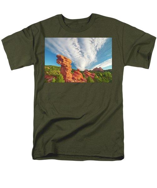 The Photogenic Purlieu Of Our Home, Sweet Hometown  Men's T-Shirt  (Regular Fit)