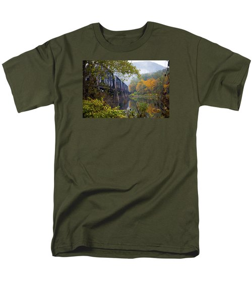 Trestle In Autumn Men's T-Shirt  (Regular Fit) by Hugh Smith