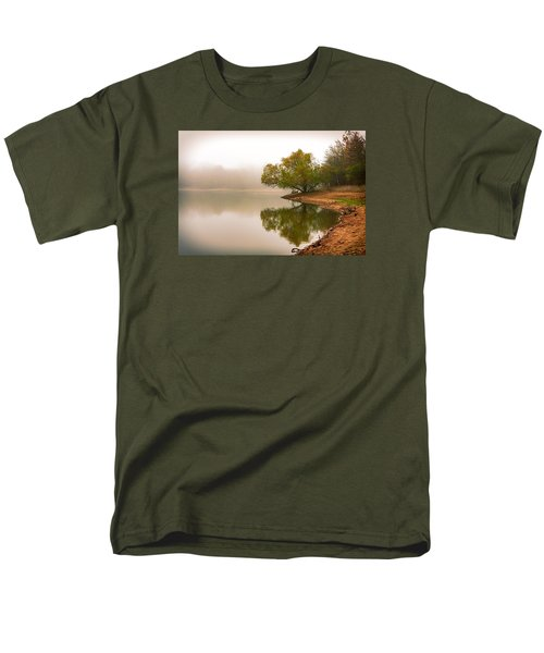 Unger Park Lake At Dawn Men's T-Shirt  (Regular Fit) by Robert FERD Frank