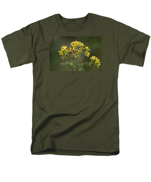 Men's T-Shirt  (Regular Fit) featuring the photograph Wasp by Heidi Poulin