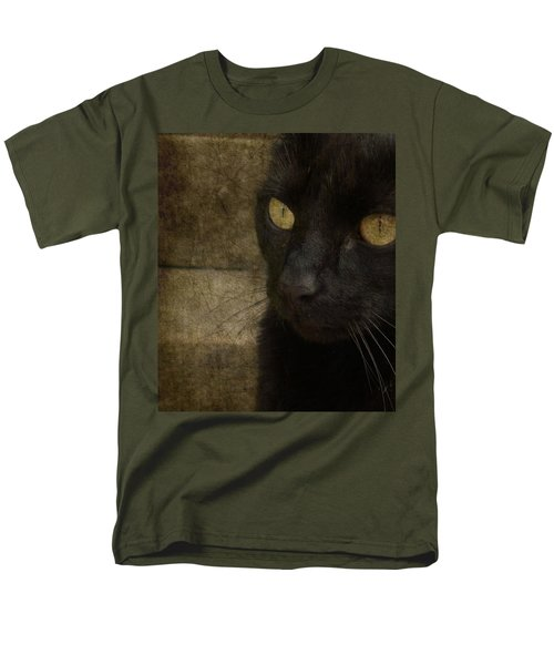 Men's T-Shirt  (Regular Fit) featuring the photograph Wee Sybil  by Paul Lovering
